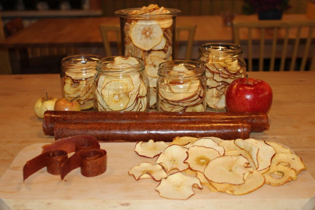 Nyttigare godis Torkade äpplen och äppelläder
